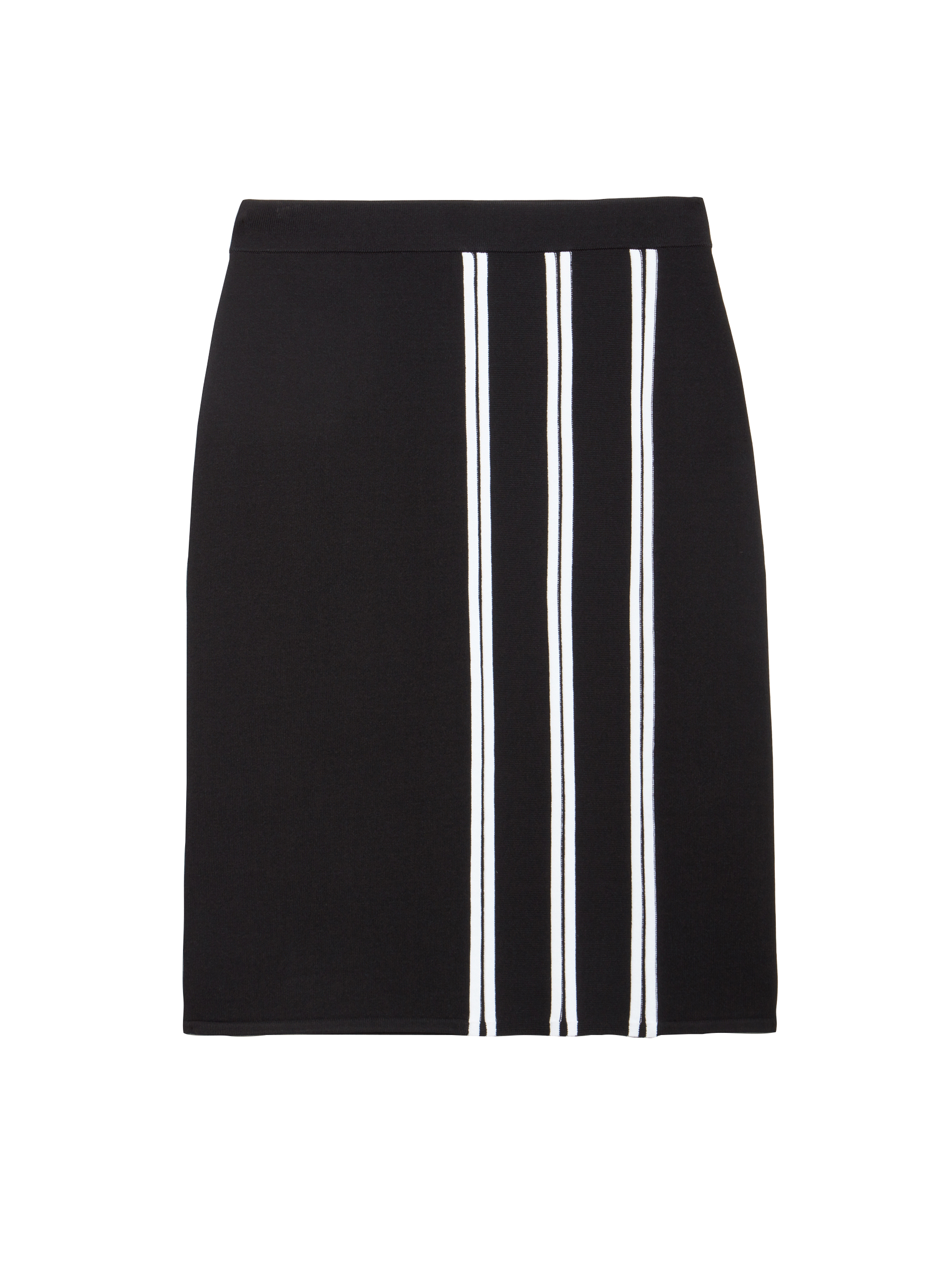 Strong, clean lines are core to the appeal and flattery of this sweater skirt. This drapey blend in solid black creates movement and a slimmer profile.