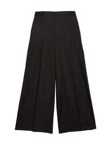 Wide-leg pant of stretch Italian linen, cropped at the leg and enhanced with deep hem slits from Carlisle